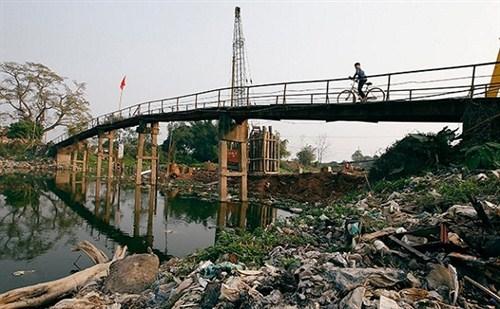Công bố 10 làng ung thư Hậu quả của việc ô nhiễm nguồn nước
