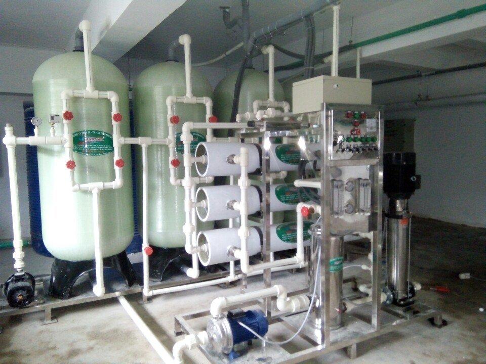 Chuyên gia Apuwa hướng dẫn lắp đặt và sử dụng máy lọc nước công nghiệp đúng cách